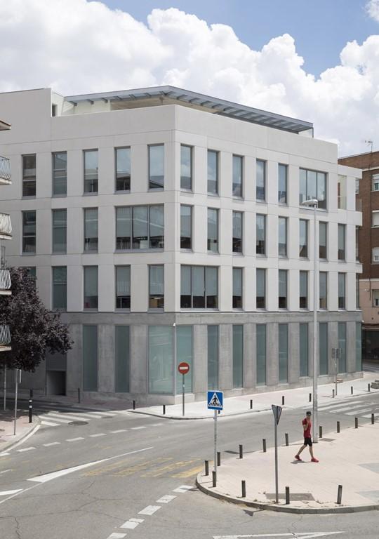 Edificio de Oficinas publicado en Plataforma Arquitectura, Arqa, Divisare,