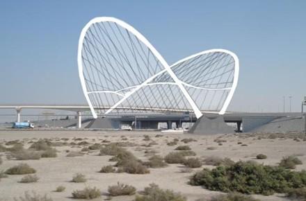 PUENTE FERROVIARIO EN DUBÁI